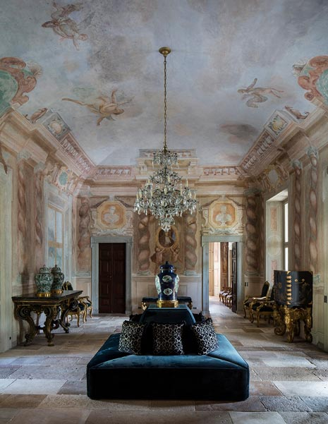 Villa Balbiano lake Como historical property available for exclusive rental ad events magnificent Grand Salon on ground floor th century frescoes chandelier antique furniture stone floor